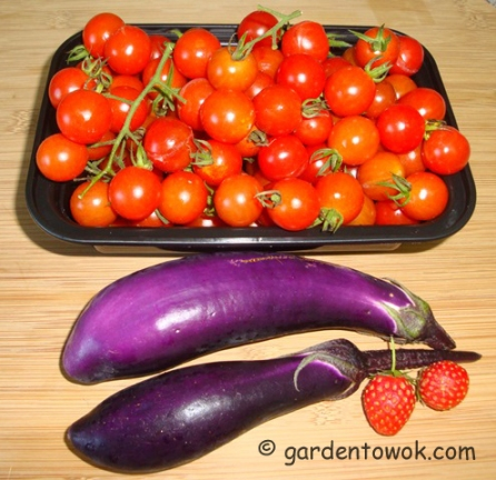 Cherry tomatoes & Ping Tung eggplants (5920)