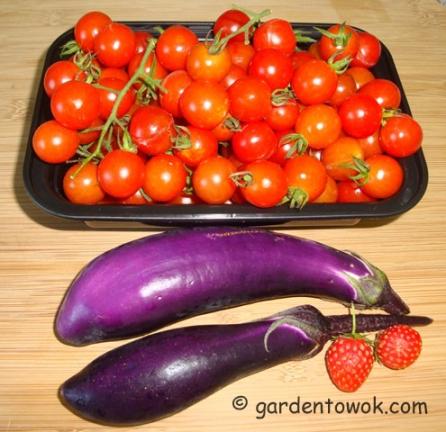 Cherry tomatoes & Ping Tung eggplants (5920)