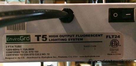 T5 grow light (IMG_0122)